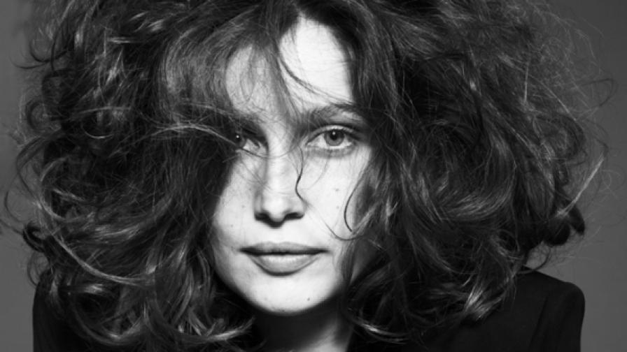 Френската актриса и модел Летисия Каста изпълнява главната роля в новия филм на Камен Калев
