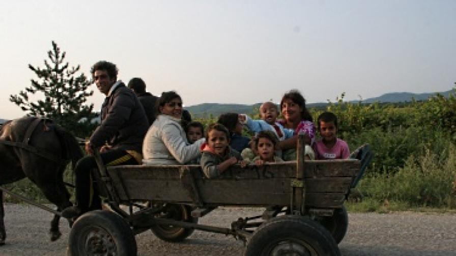 Ромите в Европа: Подходът на Саркози е по-актуален от този на Барозу