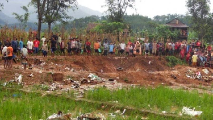 Самолетни катастрофи в Китай и Непал