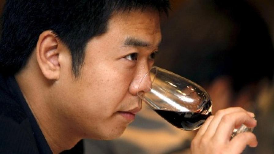 В Сингапур инвестират във вина