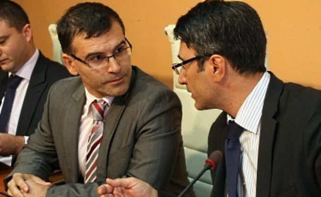 Двама бивши министри отиват на съд заради продажбата на държавния дял в