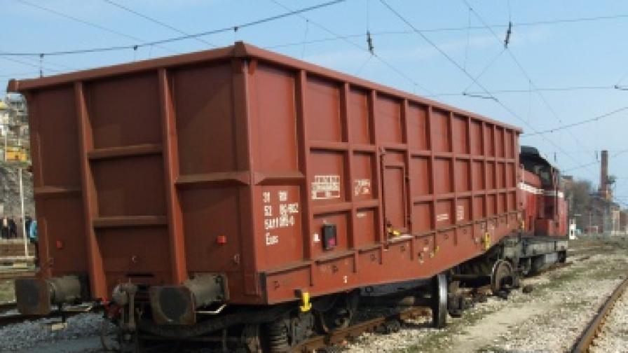 Дерайлирал товарен влак блокира линията София-Видин