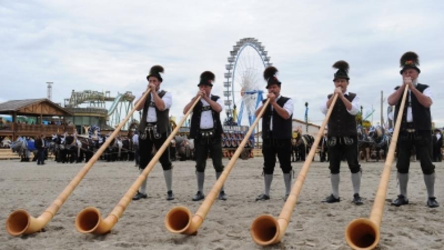 Близо 6 млн. души пристигат за 16-дневния фестивал