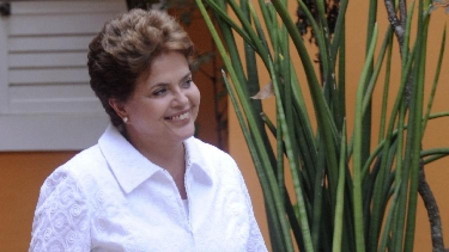 Дилма Русеф с шансове за президент още тази неделя