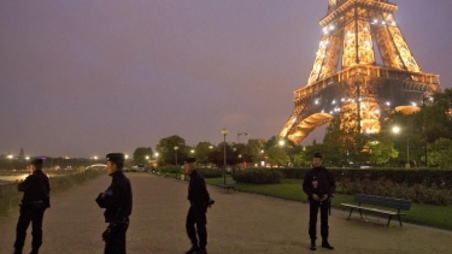 Терористи се целят в Айфеловата кула