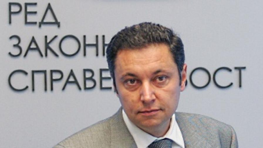 """РЗС ще вади компромати срещу """"знаков министър"""""""