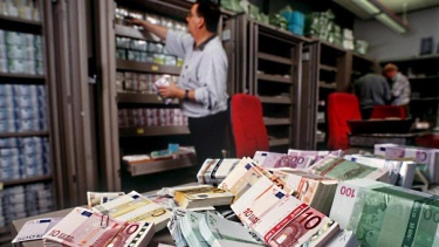 """Експерт от """"Фич"""": Българските банки все още са уязвими"""