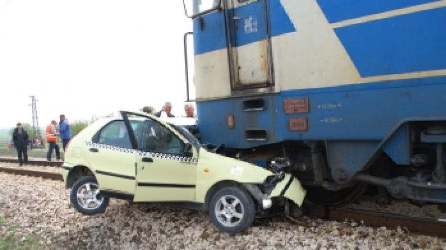 Жена загина при катастрофа на жп прелез