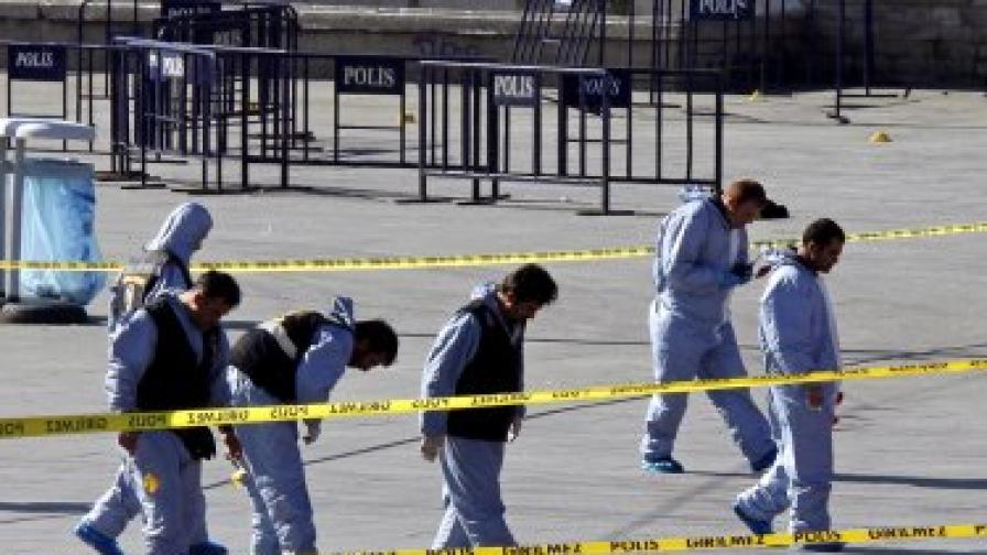 Терористът от Истанбул май не е бил сам