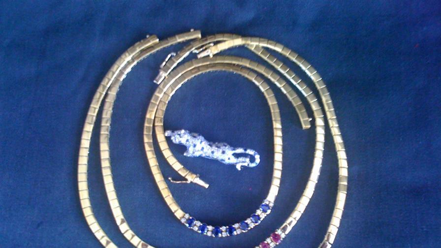Данъчните продават 188 кг злато