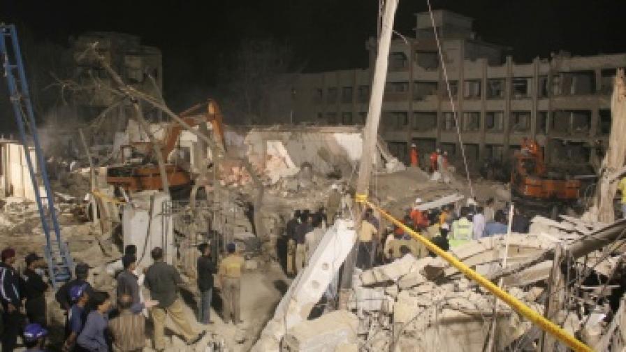 Взрив разруши сградата на следствието в Карачи
