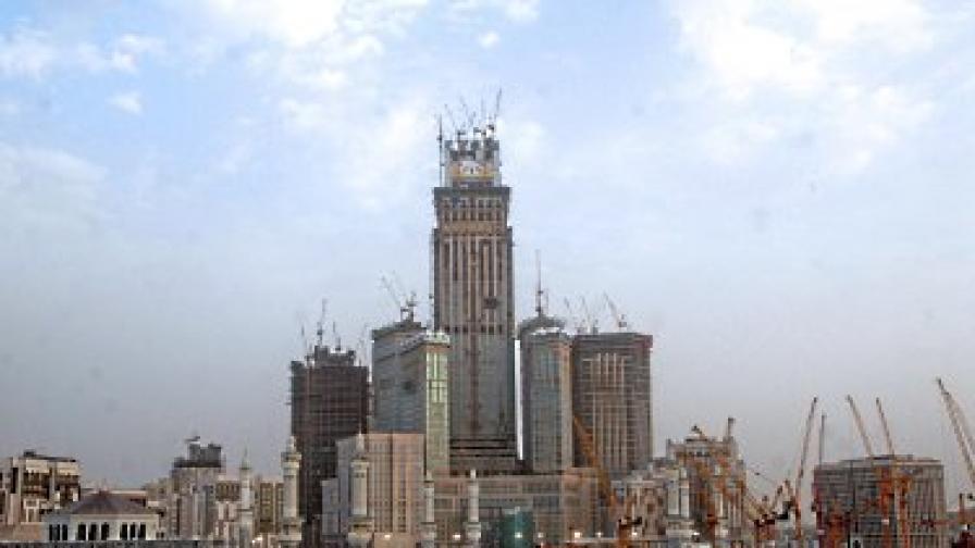 Навсякъде в Мека има строежи