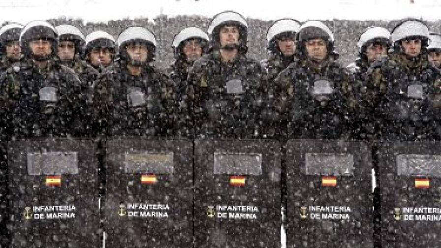 Испански войници от състава на ЮФОР по време на учение в Сараево през март 2010 г.