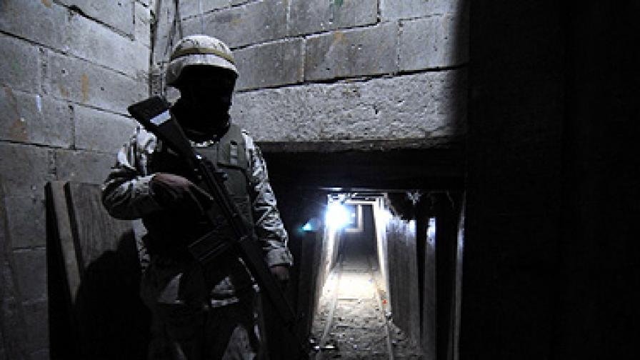 Откриха супертунел за дрога между Мексико и САЩ