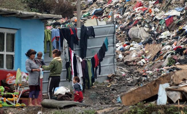 Парите за ромите отивали за хонорари в НПО-та