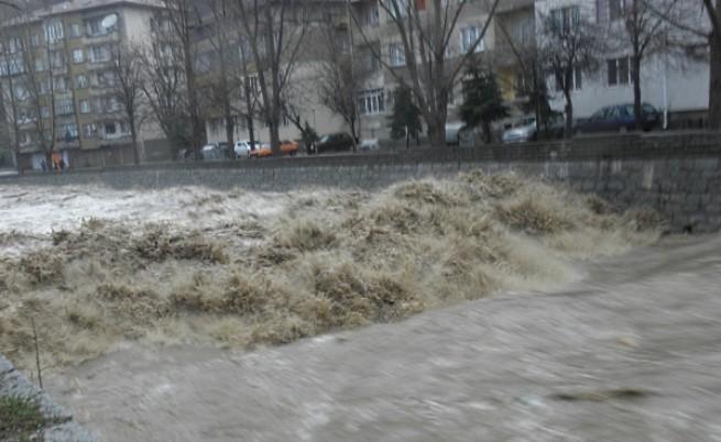 Бедствено положение в Дупница, кризисно в Перник