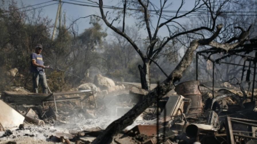 Опустошено от пожара село в планината Кармел в Северен Израел