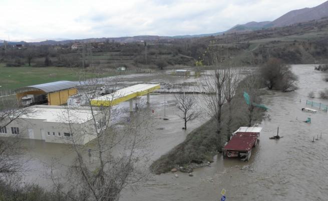 Еколози: Какво причинява наводненията у нас