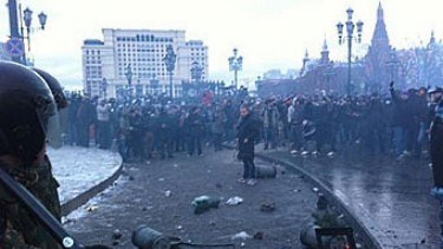 Кой разпалва етническа омраза в Москва? - питат се руски издания