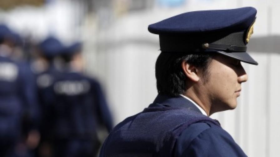 Японец вилнее с нож в градския транспорт