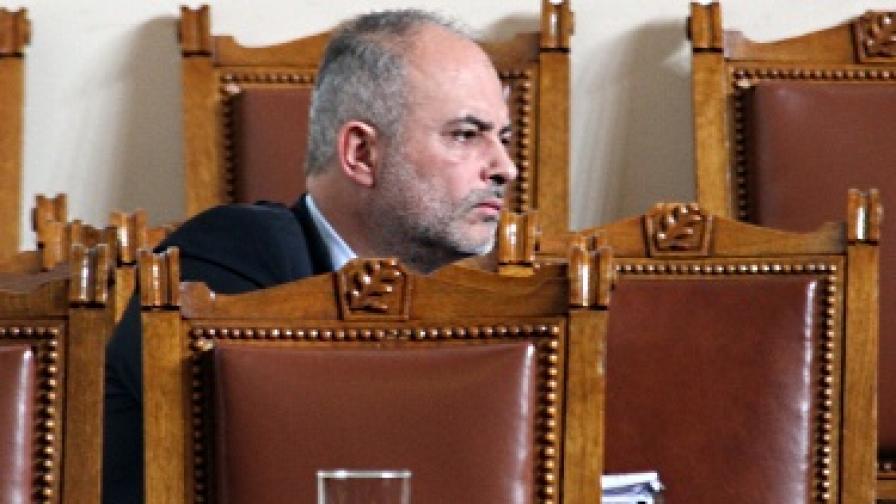 Министърът на труда: Без паника за отпуските