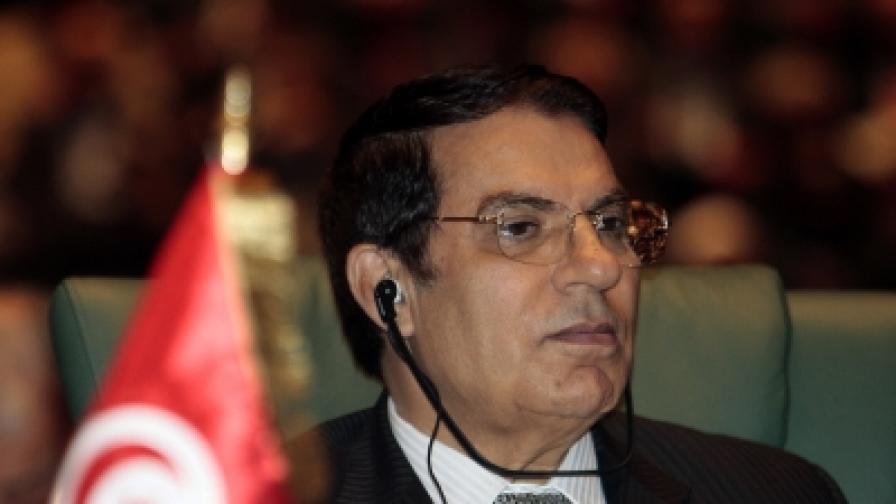 Акт на отчаяние доведе до размирици в Тунис