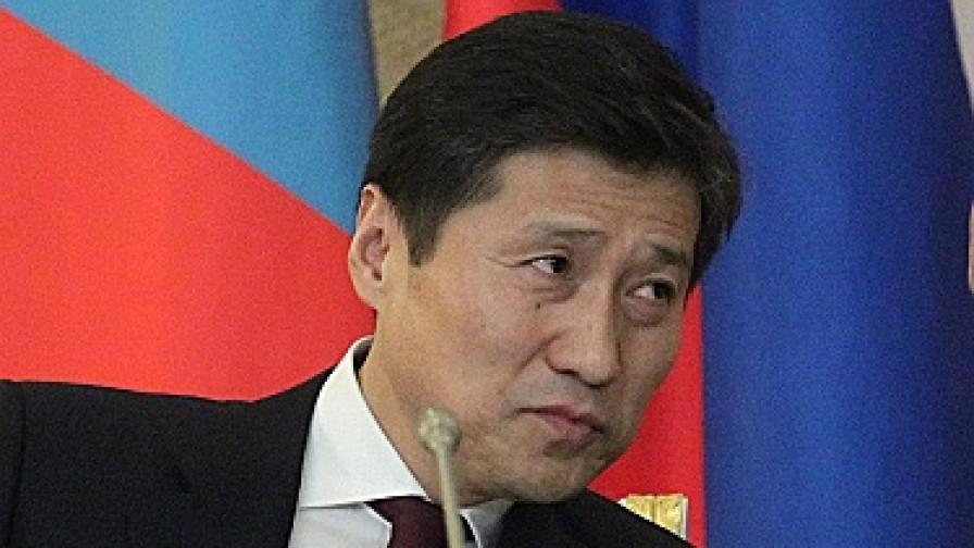 Дипломатическа война между Острова и Монголия