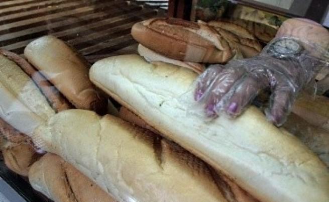 Няма защо рязко да поскъпват хлябът и олиото