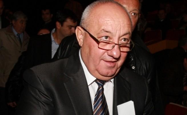 Корнелия Нинова призова Георги Гергов да се оттегли от БСП