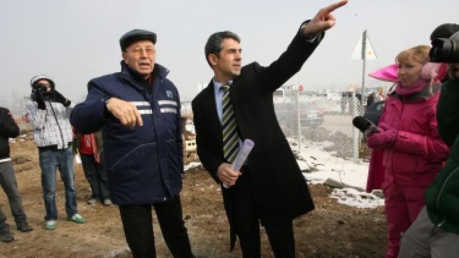 Регионалният министър Росен Плевнелиев по време на днешната инспекция