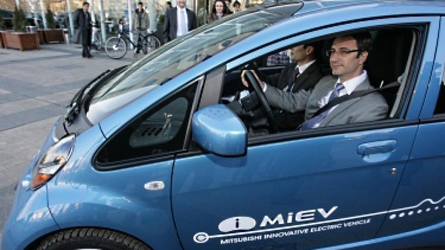 Трайков: Обмисляме стимули за електромобилите у нас