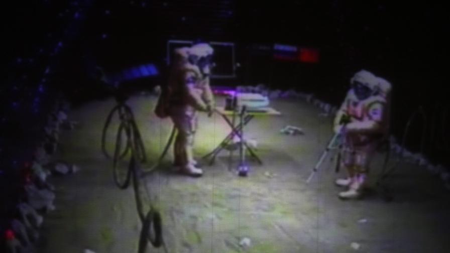 Кацнаха на Марс и се разходиха!