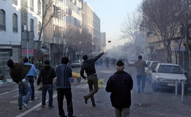 В Иран искат смърт на завърналата се опозиция