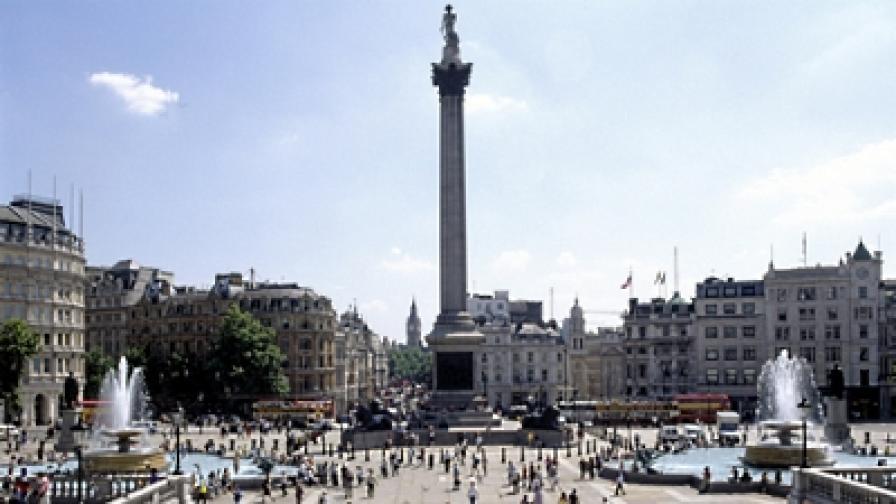 Трима намушкани при масово сбиване в Лондон