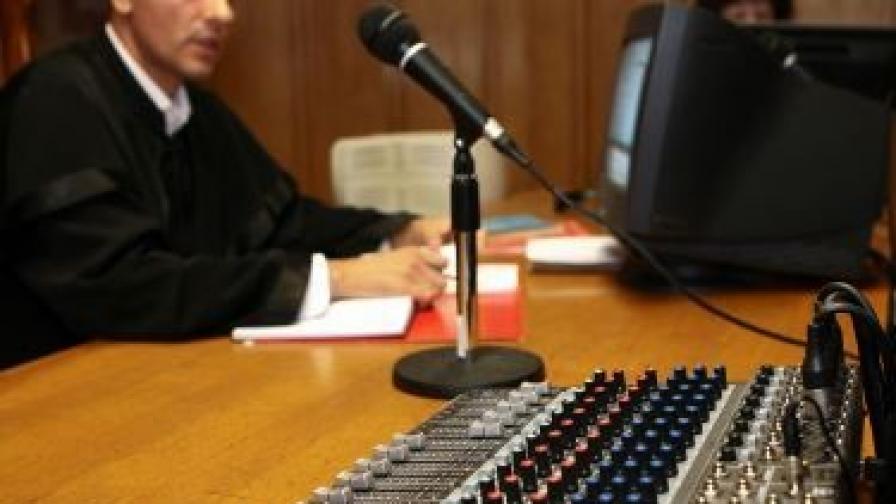 Обсъждат Цветанов да не издава разрешения за СРС