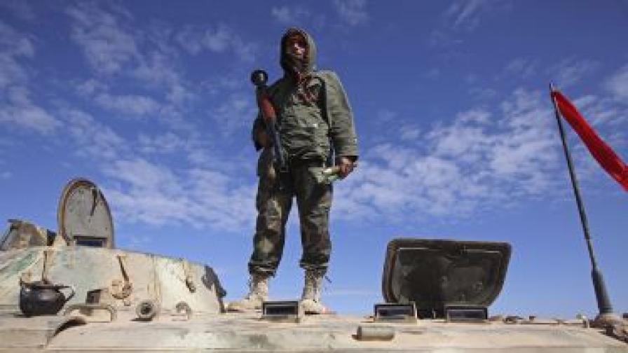 Трайков: България не е изнасяла оръжие за Либия през 2009 г.