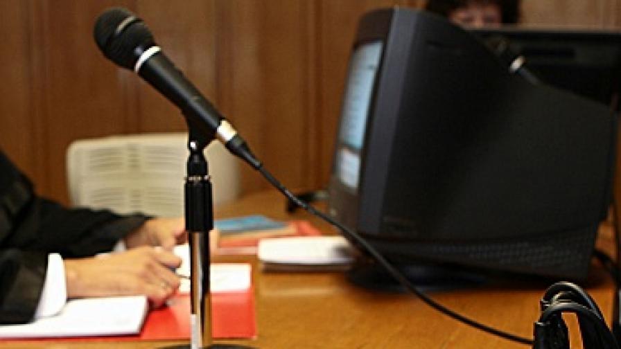 """""""И Ю обзървър"""": Европейските правителства подслушват журналисти"""