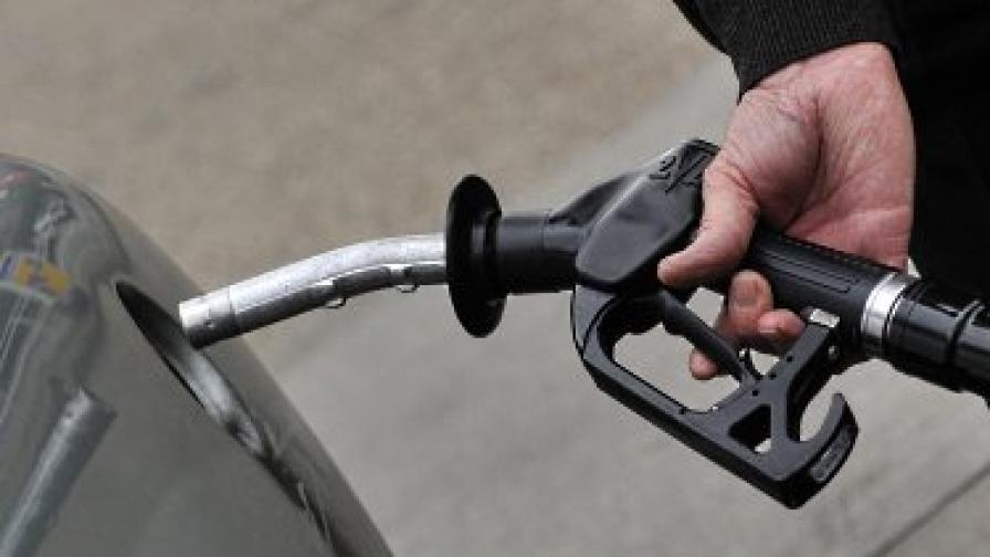 Компании от ЕС продължават да купуват либийски петрол