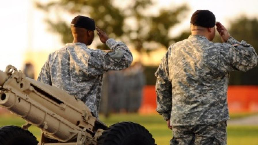 Пентагонът: Как да общуваме с хомосексуалните