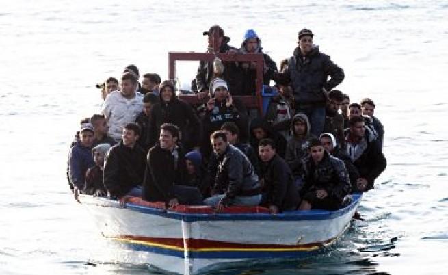 Защо на Лампедуза искат имигрантче?