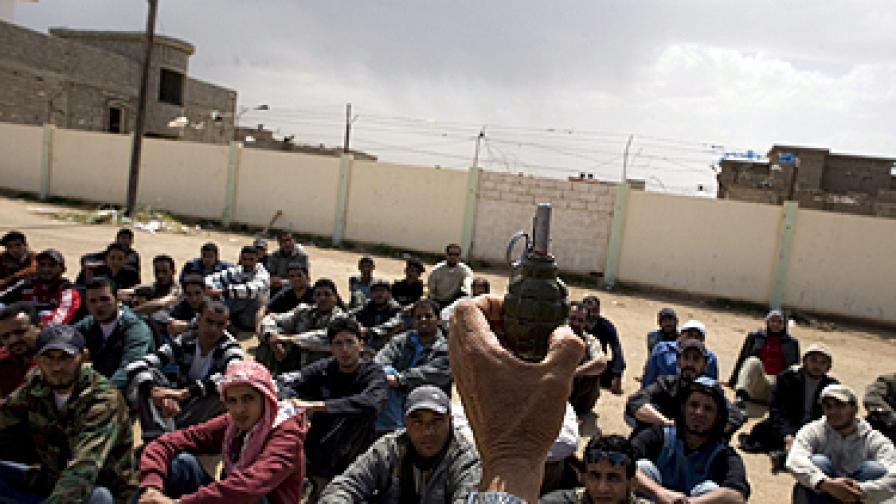 Въоръжават бунтовниците в Либия?