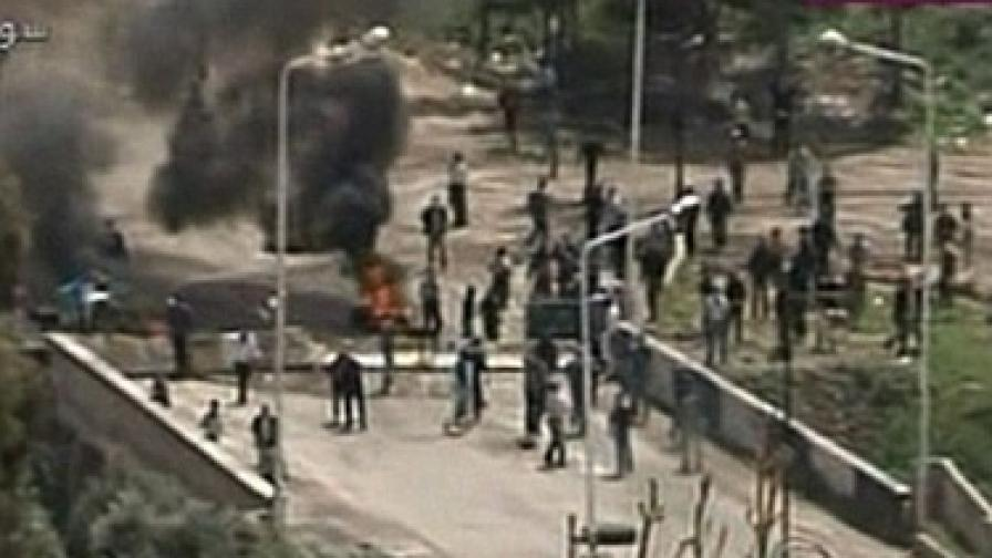 26 жертви след стрелба срещу демонстранти в Сирия