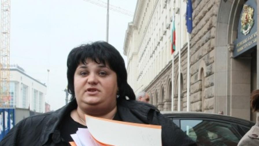 Зам.-председателят на парламентарната група на ГЕРБ и председател на правната комисия в Народното събрание Искра Фидосова