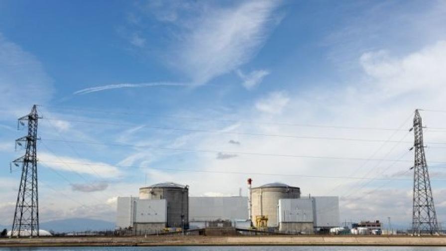 Във Франция закриват стара атомна централа