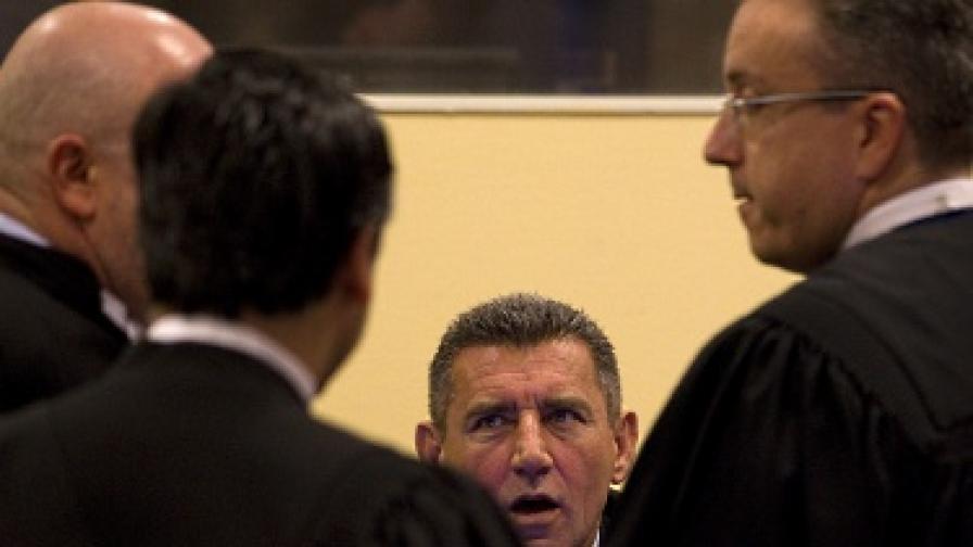 Анте Готовина и адвокатите му