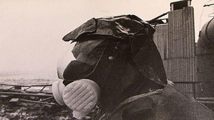 """СССР изпраща 600 хил. """"ликвидатори"""" да почистят и обезопасят зоната на Чернобилската катастрофа"""