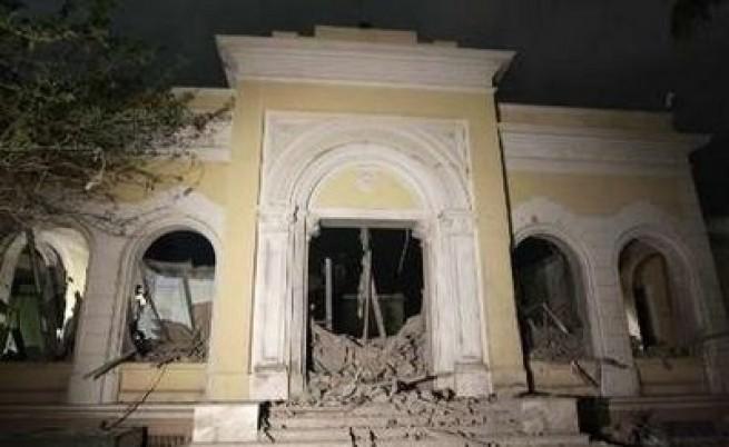 НАТО удря резиденция на Кадафи
