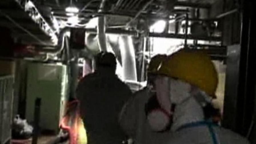 """Работници на ТЕПКО в реактор 4 на """"Фукушима"""" 1"""