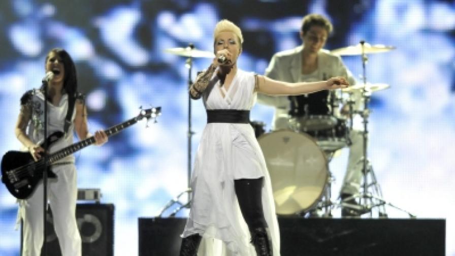 """Поли Генова отпадна на """"Евровизия 2011"""""""