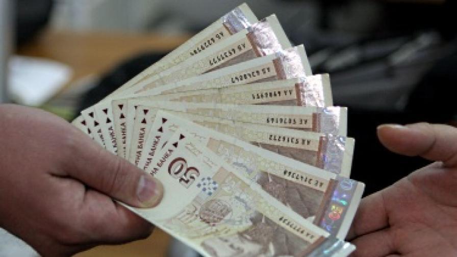 Физическо лице твърди, че дало 21 млн. лева заеми